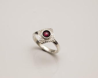 Hand Made silver Textured Square top ring with Garnet