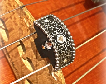 Mute for violin and viola with silver pattern and crystals