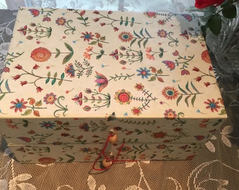 Vintage Festive Box, Cheerful Handmade Box