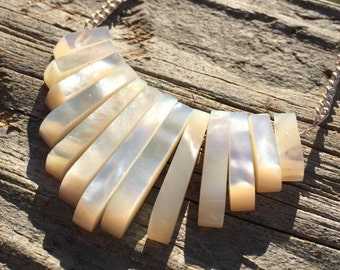 Mother of Pearl Gaduated Necklace