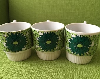 Vintage 70s Flower Power Coffee Mugs with a Retro Green Flower Design Made in Japan Set of 3