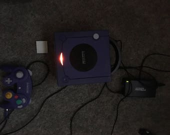 Nintendo gamecube with all wires, works great and one controller plus memory card