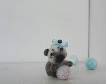 Kitty Cat, Longtail. Needle felted sculpture. Woollen figure. Genuine sheep's wool. Gift for girl. Present for any case.