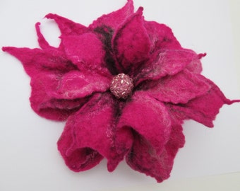Felted flower,Felt flower,Flower brooch,Wool Jewelry, Felt Flower Pin, Wool Brooch,  Boho gift ooak,wearable art,Magenta flower