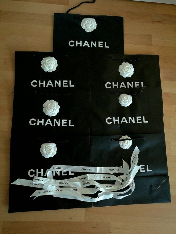 35x Authentic Chanel packaging, bags, paper bags medium size, 28x with camellias and ribbons and 7x not
