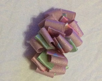 Pink loopy bow