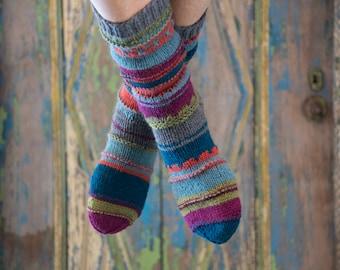 colourful handknitted socks 42/43