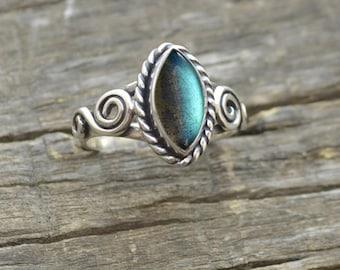 Labradorite Silver Ring, Blue Fire Gemstone Ring, labradorite handmade ring, Gift for her, Blue stone ring Bezel Ring, Gold Ring, All Size