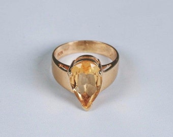 14K Yellow Gold Large 3 ct. Pear Shaped Citrine Ring, size 5.25