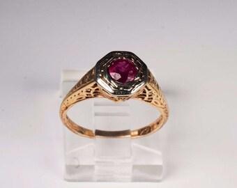 14K Yellow Gold Filigree Ruby Ring , 2.2 grams, Size 4.5