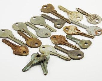 Vintage keys Skeleton keys iron keys jewelry steampunk door keys rustic farmhouse antique keys old keys giving key charms vintage wedding