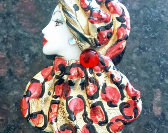Hand Painted Face Pin/Lady Head Pin, Vintage Women's Head Pin/80's Hand Painted Face Pin/Resin Brooch, Item Nr. 098