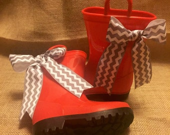 RainBoots, Little Girls Rain Boots, Cute red boots with chevron gray ribbon bows size 7 can be monogramed. Great Gift idea.
