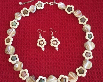 Jewerly set necklace earrings mother of pearl,agate,magnesite