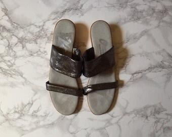 luminiscent shimmer grey wedge sandals | minimalist cork wedge sandals | 8.5