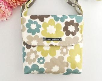 Floral messenger bag, Floral purse, fabric purses, messenger bags, floral bag, fabric bags, Mother's Day, oilcloth bag, womens handbags