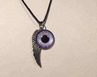 Eye Fly Necklace