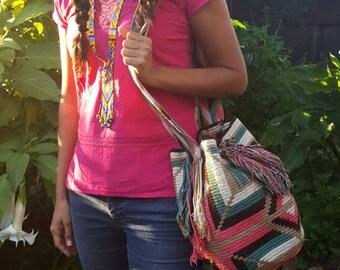 Large Waayu Bag - Tan/Light Pink/Turquoise/Dark Brown (Colombia)