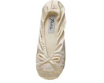 Ivory Lace Bridal Flat, Wedding Slipper, Bridesmaids Flat, Lace Wedding Shoes, Ivory