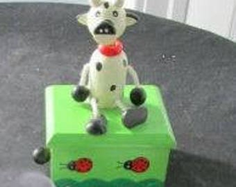 Gift cow collectors ,Wood Music Boxes,Holsteins,Small Music Box with Moving Cow  832
