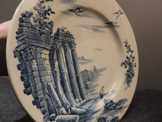 Tableware compote, cut on foot earthenware Earth iron beautiful design of columns