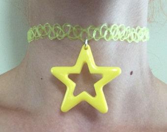Yellow star tattoo choker