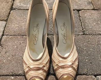 Vintage 1950 s Air Step Heels in Neutral Brown and Tan, Size 9AAA.