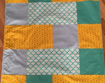 Big doudou turqoise yellow giraffe minky blanket