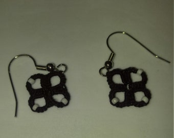 Hand tatted black with white beads clover earrings copper free