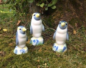 1960s Vintage Wade Penguin Family, Set of Three Ceramic Penguin Figurines, Spirit Flask Decanter, Graduated Set, Porcelain Penguins, Cute