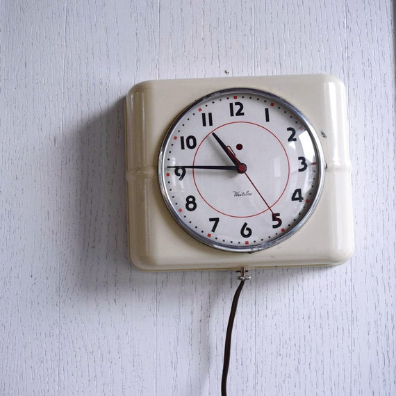 Vintage Electric Wall Clock 95