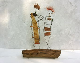 Bride and Groom gift, Rustic wedding gift, Wire sculpture, Driftwood sculpture, love gift, anniversary gift, Minimalist Decor, Wedding gift
