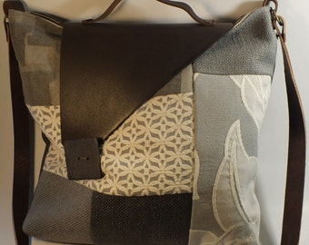 CLARE: sturdy craft bag to carry both, both handmade, fully lined and handmade buttons.