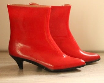 Short Red Jelly Boots by Igor, Size 7