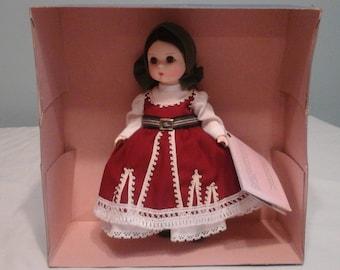 Vintage, madame alexander dolls, Bulgaria 557