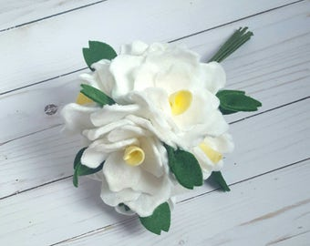 Spring felt white  rose bouquet, spring flower arrangement, spring wedding bouquet, felt flower bouquet, felt wedding bouquet