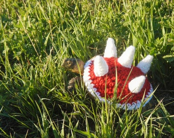 Battle tortoise cozy! Hand made to order, any size or color. Contact me with your torts shell size for a perfect fit.