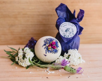 All natural Honey & Lavender Bath bomb, beautifully aromatic, children safe. Spa and relaxation