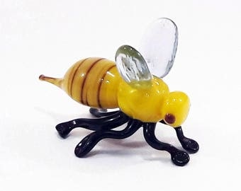 Yellow Glass bee figurines collectible bee miniature yellow glass bee figure bee sculpture collectible bumble bee artglass