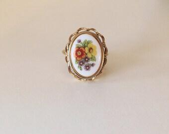 Vintage locket ring, locket ring, floral ring, vintage floral ring,