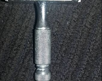 1960s safety stubby Gillette razor