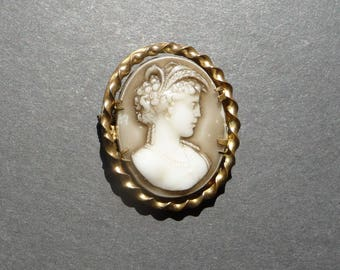 Vintage plastic cameo Made in England