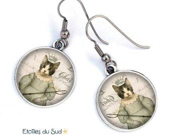 Earrings * cat * queen royal cat / crown /anti allergic hooks  / resine cabochon