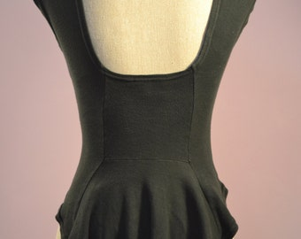 Mary Quant designer  dropped hem T shirt in black UK size 8. Tee/ ladies top 1960's
