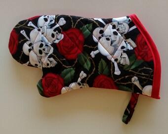 Roses and skulls oven mitt