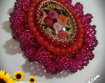 Red Embroidery Cabochon Brooch