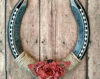 Coral Rose Horse Shoe