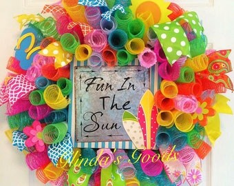 Fun in the Sun Wreath, Summer Wreath, Colorful Summer Wreath, Summer mesh wreath