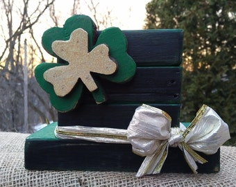 Rustic Leprechaun Hat with shamrocks, St Patricks Day,  Wood decor,  Irish decor