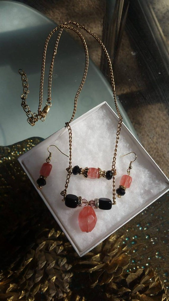 cherry quartz necklace and earring set. Quartz. Earring and necklace set. Red and black stones.
